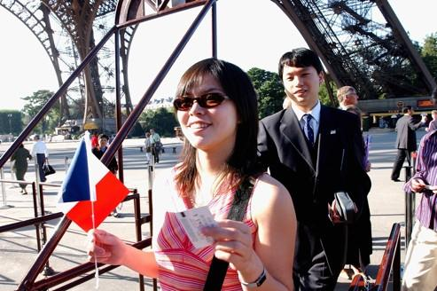 Chinese Tourists Scared by Insecurity in France