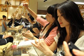 What is the true about Chinese shoppers?