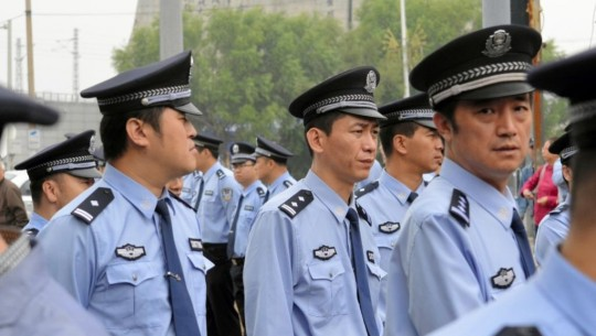 Chinese policemen in Paris , good or bad for the Image of France ?