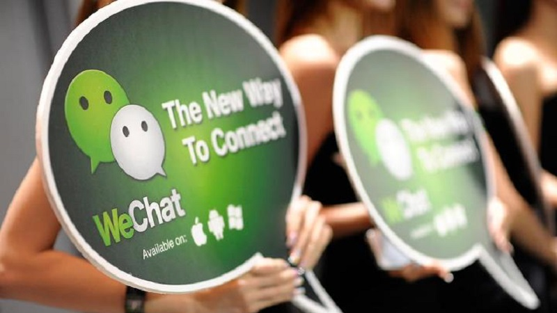 Wechat battles Alibaba on the money transfer system