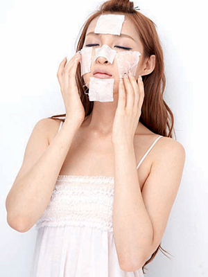 Cosmetics masks in lotion are a very profitable market in China