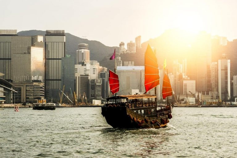 The Super-Rich Chinese Emigration Market and How to Attract Investment?