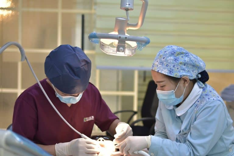 Chinese Medical Tourists Looking for the best dental clinic