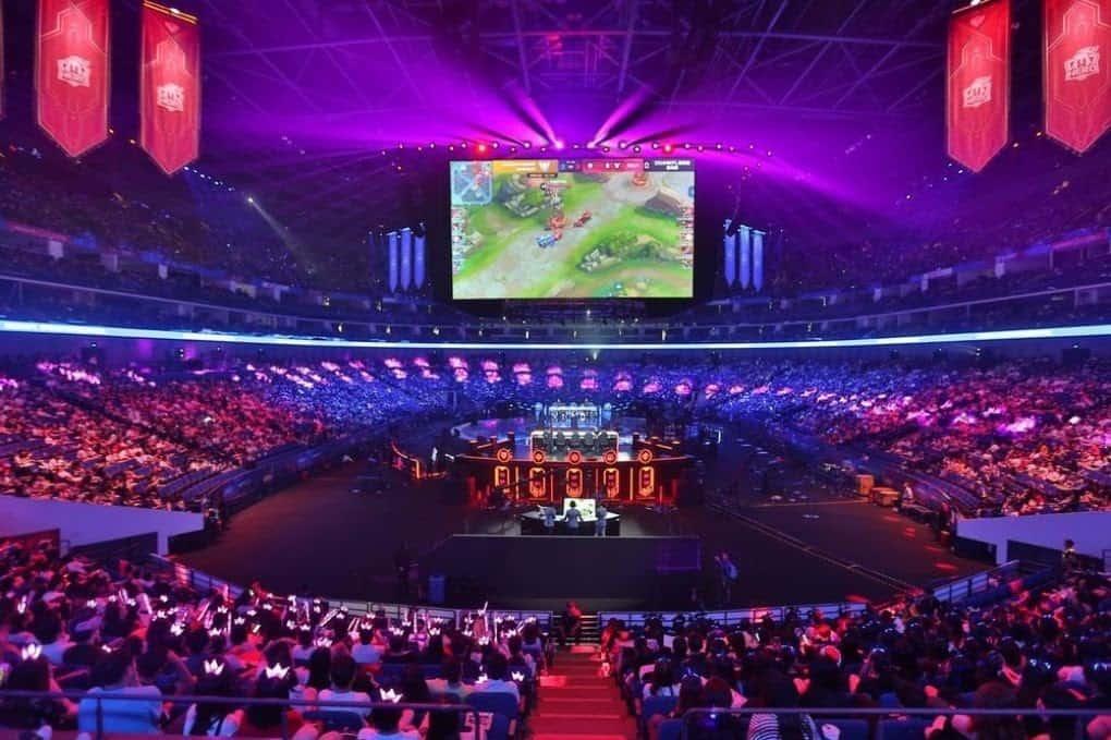 League of Legends tournament in Beijing's Olympic Stadium (© Bloomberg)